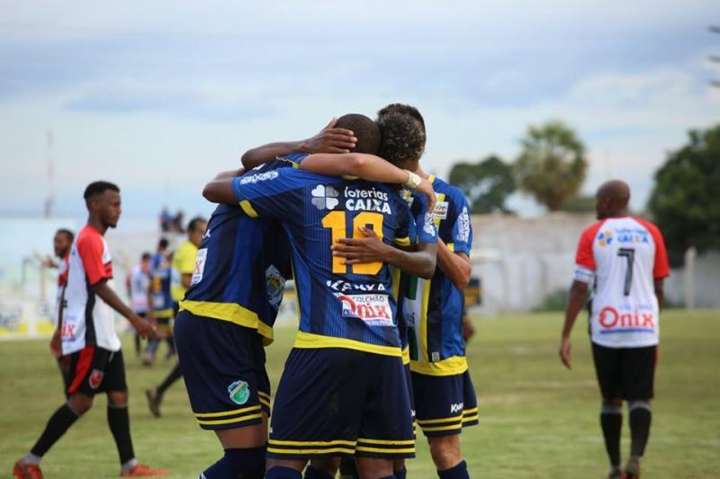 Altos vence Flamengo por 4 a 0 na quarta rodada do Piauiense