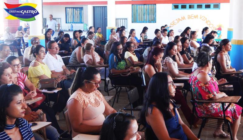 Prefeitura de Cristino Castro através da Secretaria de Educação realizou a Jornada Pedagógica 2018