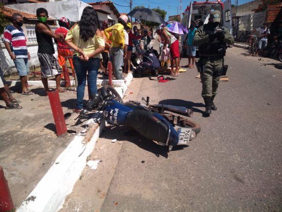 Colisão entre motos deixa duas pessoas feridas em Parnaíba