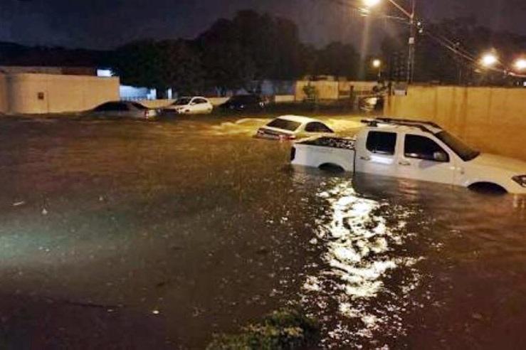 Zona leste de Teresina tem pontos críticos após fortes chuvas