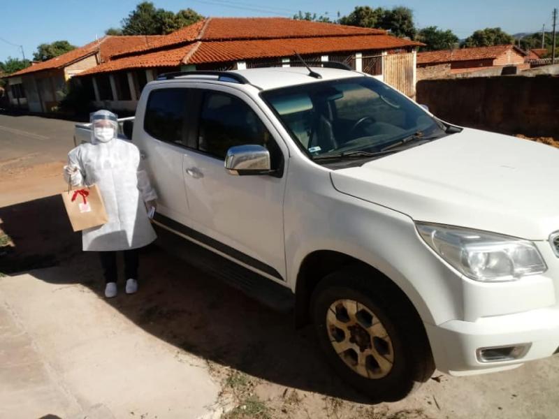 Prefeitura de Amarante leva cesta de café da manhã para pacientes com COVID