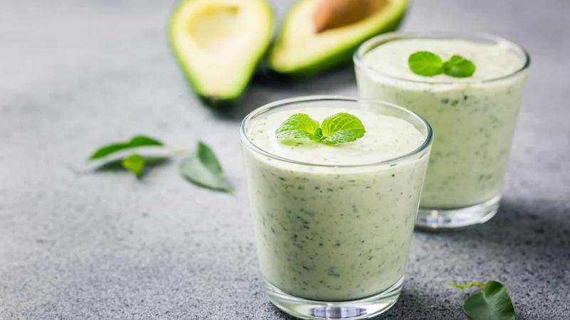 Beba chá de abacate! Três benefícios surpreendentes da bebida