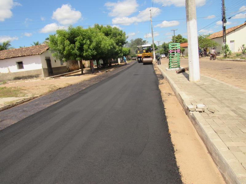 Obras de asfaltamento da Avenida Vicente Augusto (Foto: Leônidas Silva)