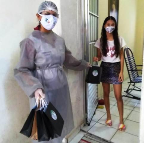 COVID: Assistência Social de São J. da Canabrava distribui kits de proteção