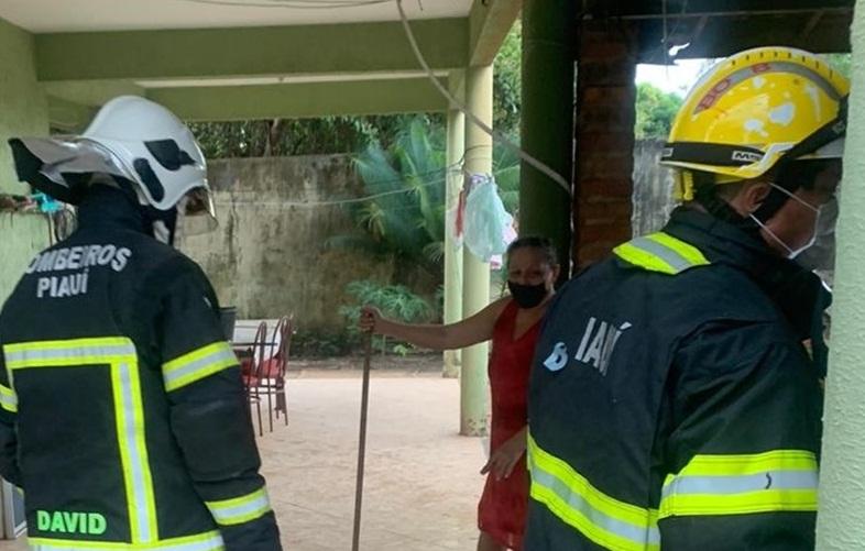 Botijão de gás pega fogo e bombeiros evitam tragédia em Brasileira