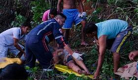 Colisão entre carro e moto deixa garota de 13 anos morta no PI