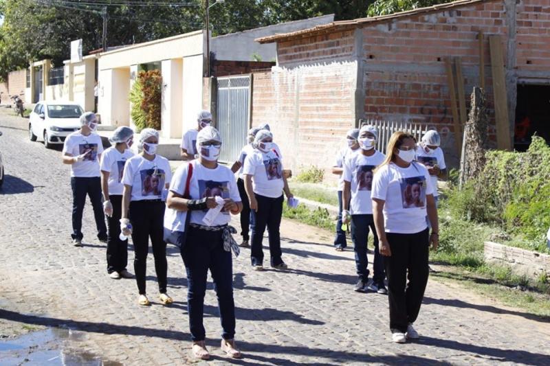 CREAS de Inhuma realiza passeata em alusão a campanha Sinal Vermelho