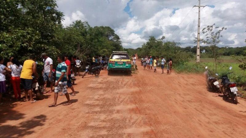 Homem morre e mulher fica gravemente ferida após acidente de moto no Piauí