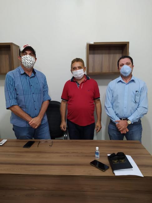 Prefeito Manim recebe ex-prefeito de Corrente