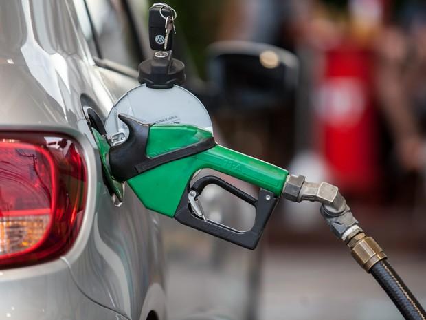 Preço da gasolina sobe pela 8ª vez e bate novo recorde