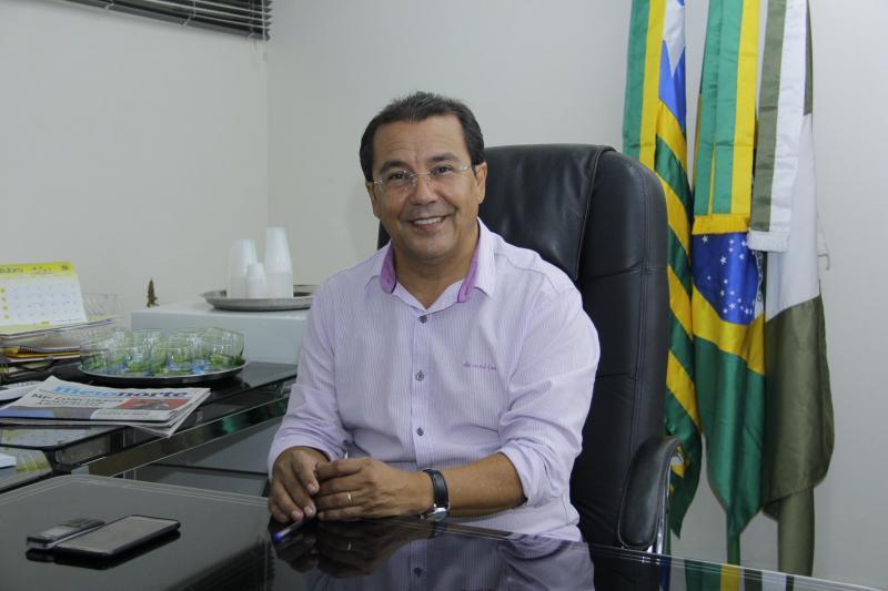 Prefeitura de Água Branca realiza pagamento dos professores com novo piso do magistério