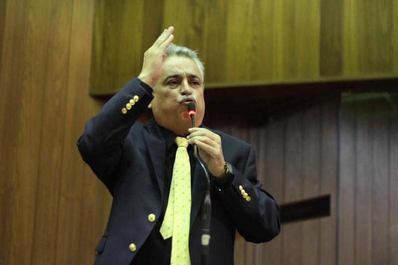 Robert Rios critica Wellington Dias por não prestar conta de empréstimos