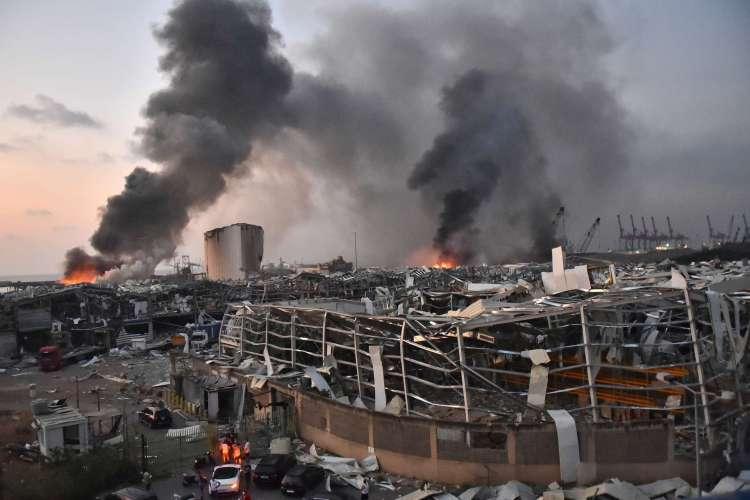 Bolsonaro lamenta explosão em Beirute: 'Sentimos como se fosse no Brasil'