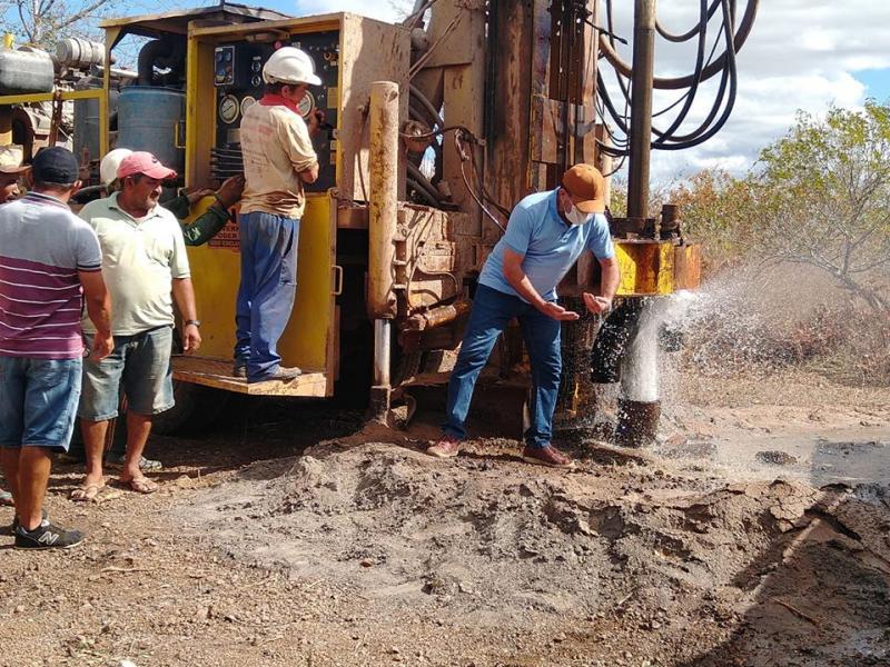 Prefeitura de Oeiras realiza perfuração de poço na localidade Tranqueira