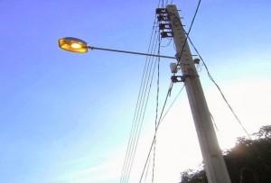 MP notifica prefeito por usa lâmpadas residencias em postes de iluminação