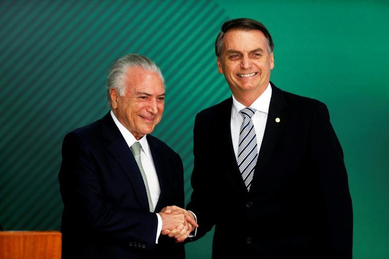 Bolsonaro convida Temer para chefiar missão no Líbano