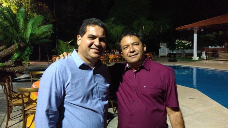 Prefeito Alcides Oliveira participa de encontro na casa do senador Ciro Nogueira