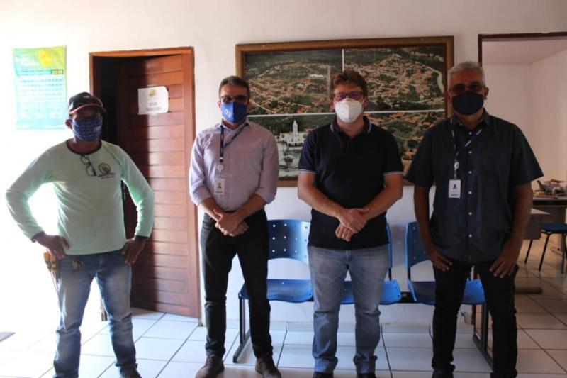 Prefeito de Santa Cruz dos Milagres recebe representantes da Equatorial-PI