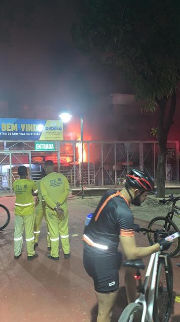 Incêndio atinge Shopping da Cidade em Teresina