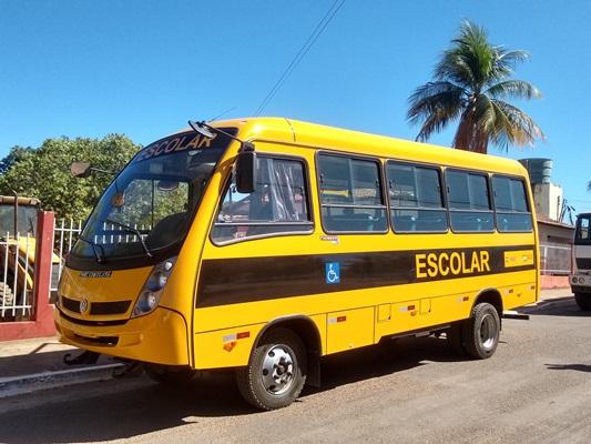 Prefeitura Municipal de Colônia do Gurgueia recebe ônibus escolar