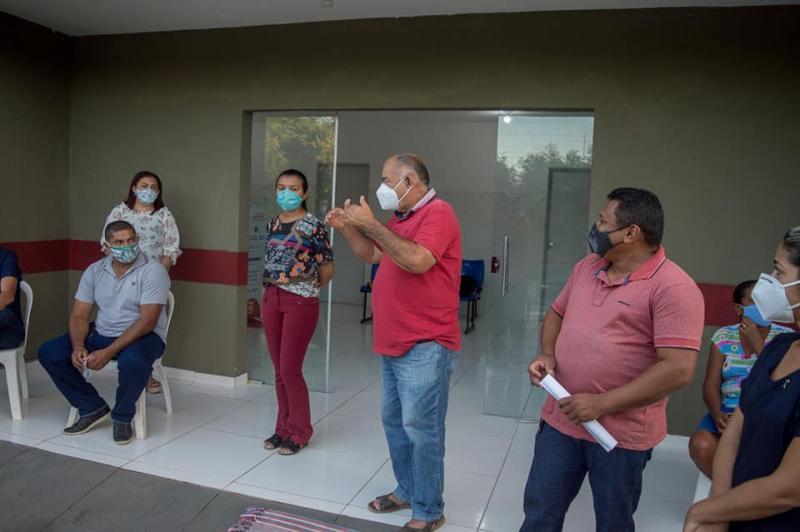 Prefeitura de Canavieira realiza reunião com proprietários de vans