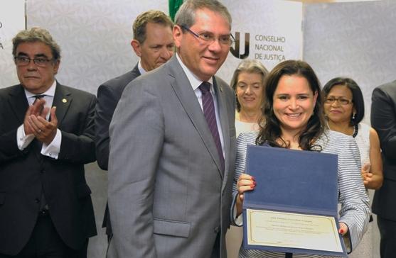 Juíza Federal do Piauí ganha prêmio do Conselho Nacional de Justiça