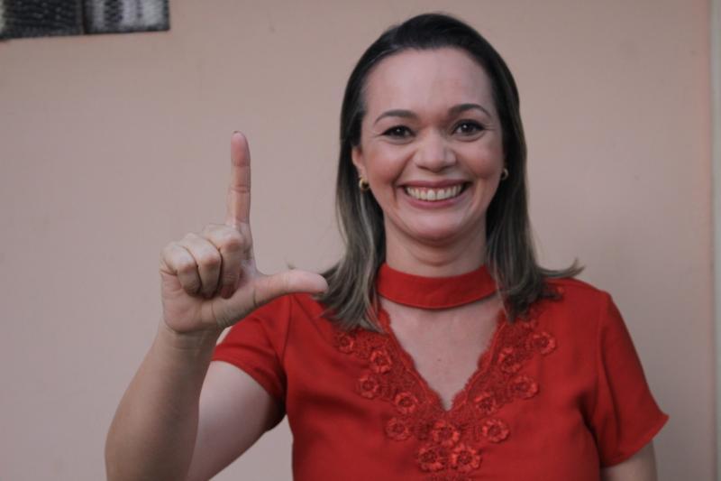 A pré-candidata Laura Carvalho é administradora, consultora e professora na área de Gestão de Empresas, e ver na profissionalização a grande sacada para geração de renda aos timonenses.