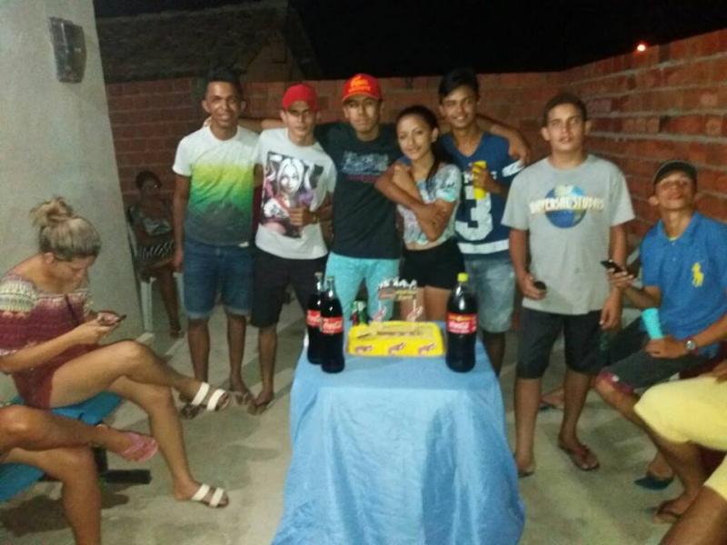 Wilton Alencar comemora aniversario de amigos em sua residencia em Prata do Piaui