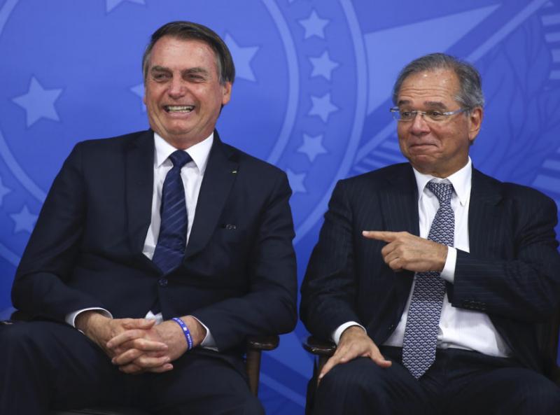 No Brasil, acrise entre Jair Bolsonaro e Paulo Guedesafeta o mercado