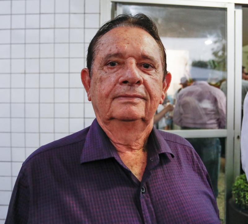 Prefeitura de Uruçuí gasta R$ 1.635 na compra de uma cadeira e um liquidificador