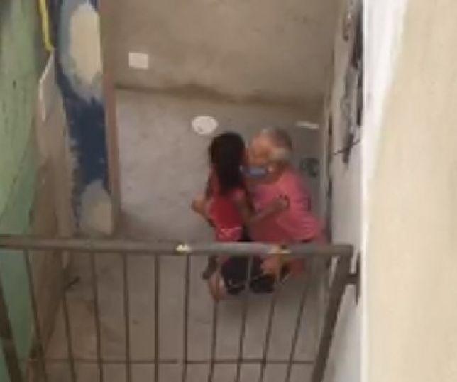 Vídeo chocante mostra idoso de 66 anos estuprando criança de 6 anos