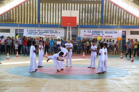 Inauguração da quadra poliesportiva do Colégio Benedito Silvestre no Conjunto Boa Vista