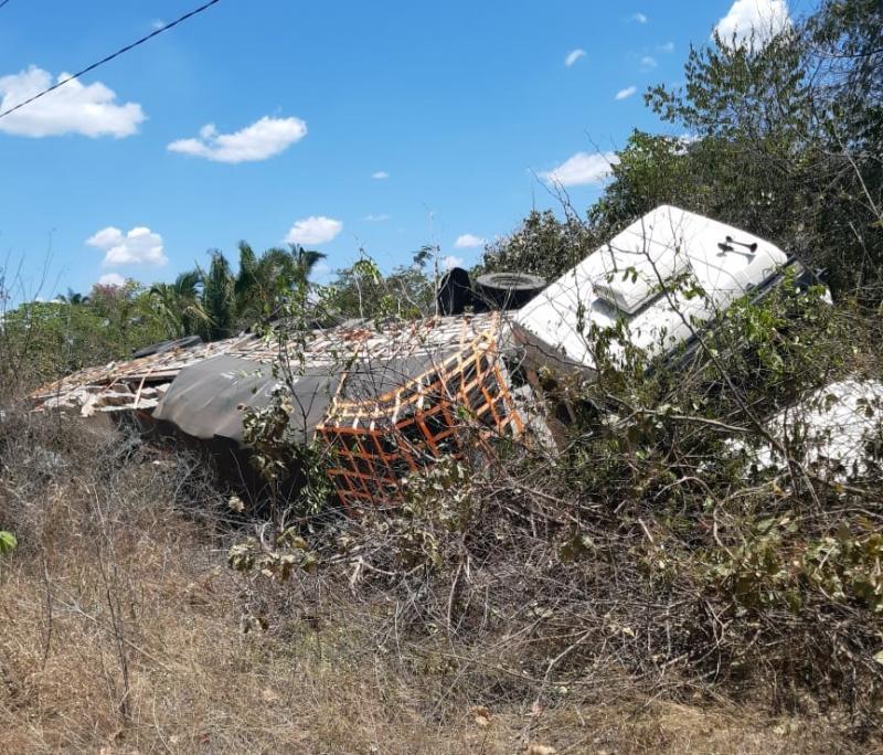 Colisão frontal entre carro e carreta deixa feridos no Piauí