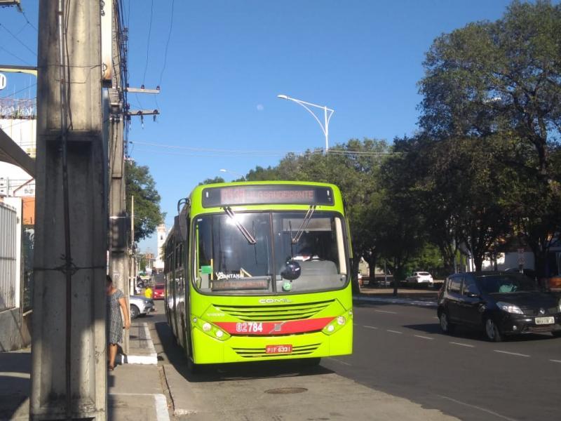 Ônibus circulam até às 22h após ampliação do horário em Teresina