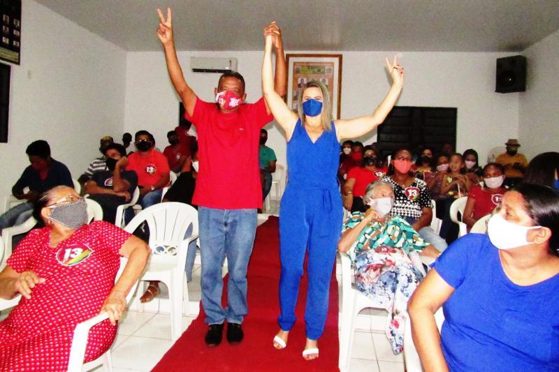 Pré-candidato Bernardo Siqueira e pré-candidata Francinilda Gomes (Foto: Leônidas Silva)