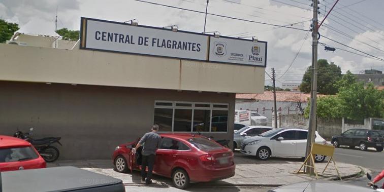 Adolescente é detido com arma após fazer família de refém em Teresina