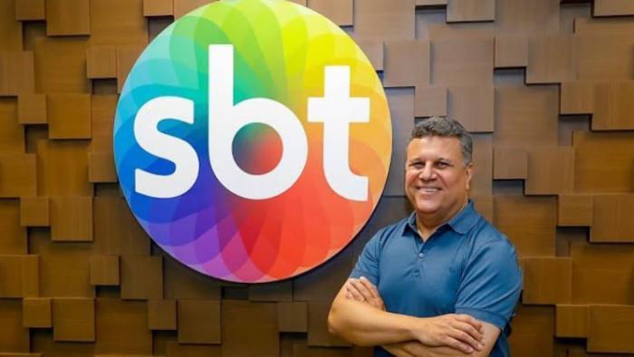 Téo José assina com o SBT para narrar jogos da libertadores