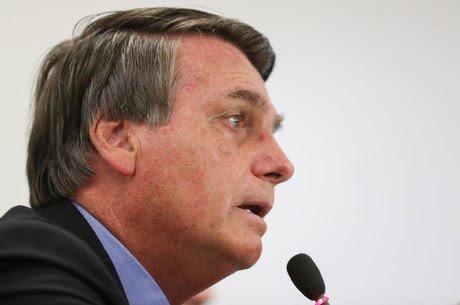 Bolsonaro desiste do Renda Brasil e vai manter o Bolsa Família