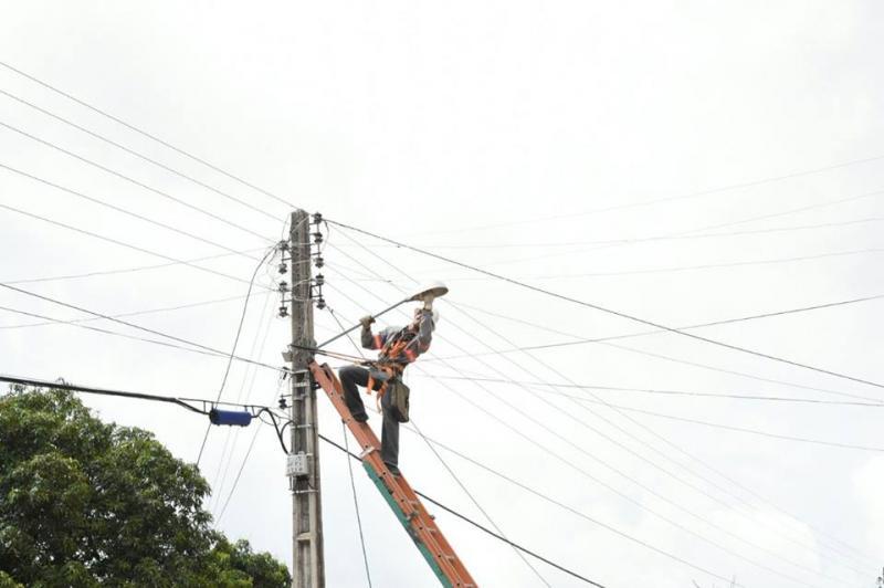 Iluminação pública recebe reparos no Bairro São Borja