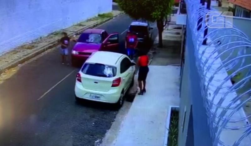 Mulher tem carro roubado na zona leste de Teresina