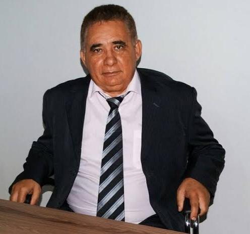 O vice-prefeito Manim apoia oposição