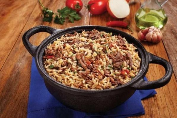 Receita: arroz com carne de panela desfiada ao molho de cerveja