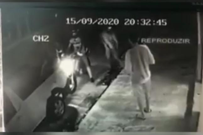 Bandidos rendem funcionários e assaltam loja em Teresina