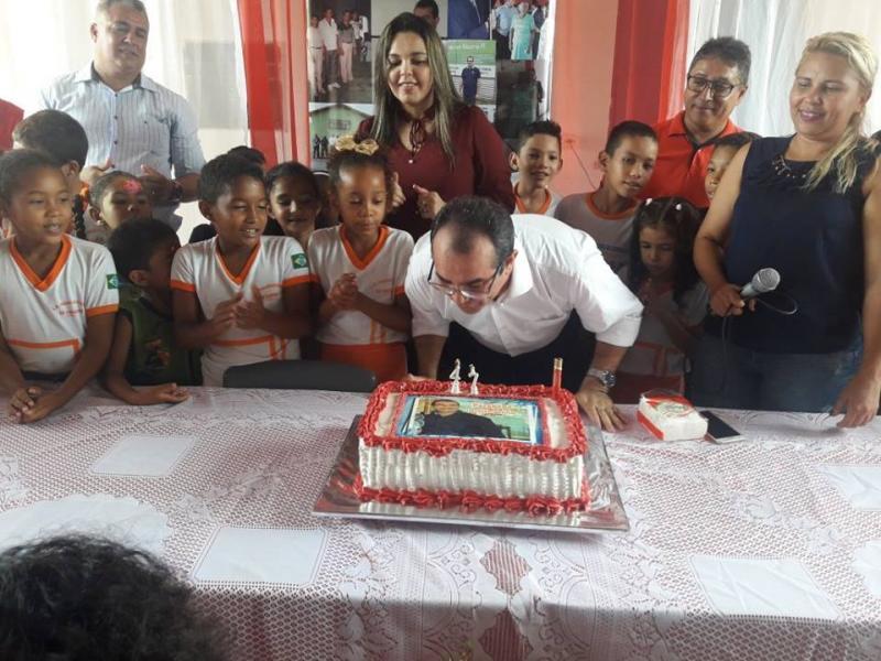 Prefeito de Nazária recebe homenagens em seu aniversário