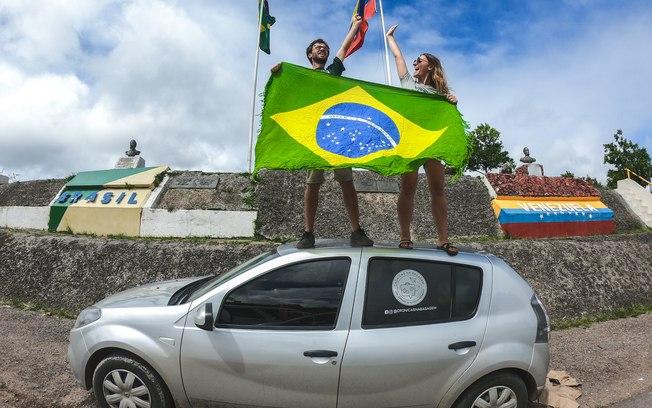Conheça o casal que desbravou a América do Sul em um Sandero 1.0