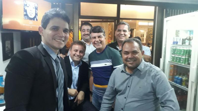 Prefeito Júnior Carvalho participa de adesão ao programa Internet Para Todos