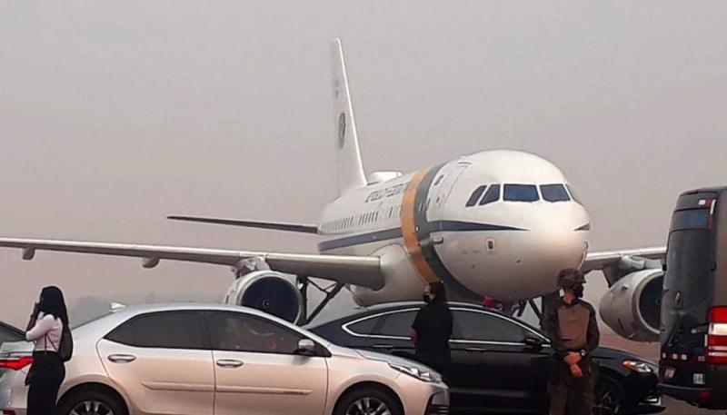 Avião com Bolsonaro arremeteem Mato Grosso por causa da fumaça dequeimadas no Pantanal