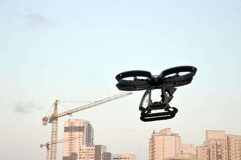 Carro voador turco levanta voo a 10 metros de altura; assista