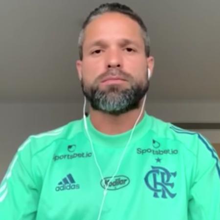 Diego, um dos seis infectados, em vídeo no qual explicou os seus sintomas da Covid / Foto: Reprodução