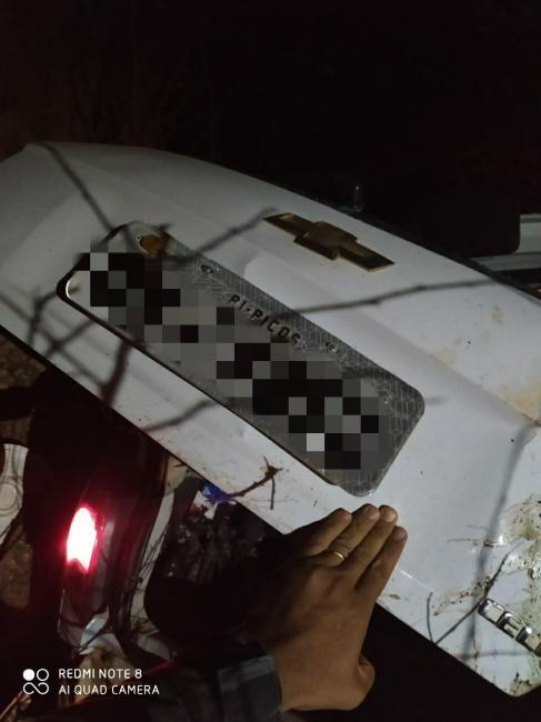 PICOS | Bandidos roubam carro, capotam veículo e fogem em direção a mata